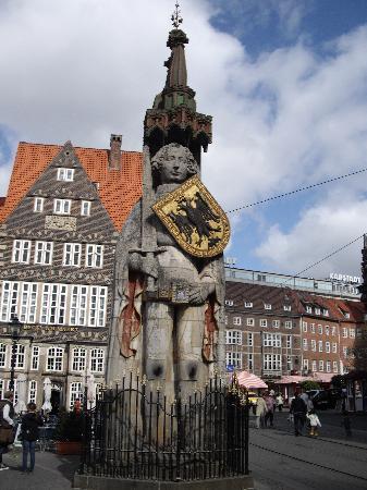 ローラント像